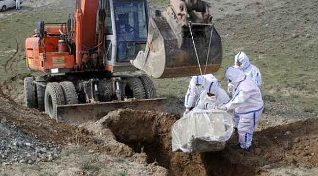 Koronavirüs hastasını dağ başına gömdüler, etrafında hiçbir canlı yok
