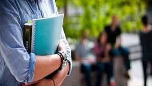 Koronavirüs nedeniyle öğrenciler 3 hafta ücret ödemeyecek, kredi ve burs ödemeleri sürecek