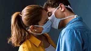 Koronavirüs sırasında cinsel ilişkiye girmek güvenli mi?