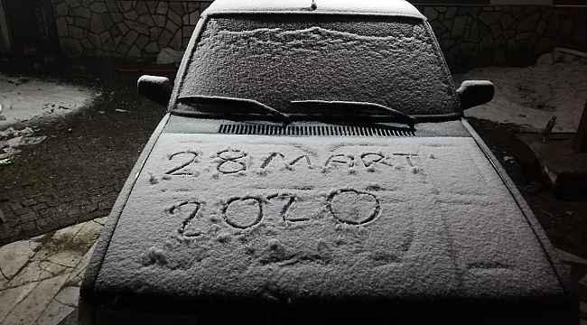 Koronavirüs tedbirleri kapsamında kapatılan Uludağ'da kar sürprizi - Bursa Haberleri