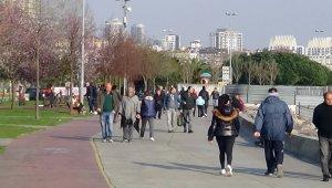 Koronaya aldırmadan İstanbullular sahile akın etti