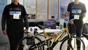 Liseli öğrenciler kendi kendini şarj edebilen elektrikli bisiklet üretti - Bursa Haberleri