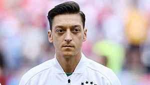 Mesut Özil'in menajerinden transfer açıklaması