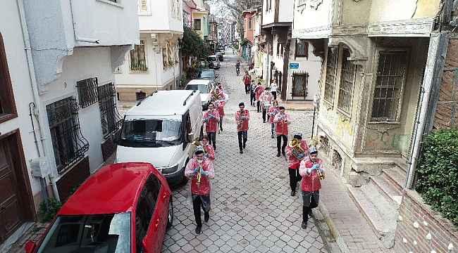 Mudanya Bandosu'ndan Mudanyalılara moral konseri - Bursa Haberleri