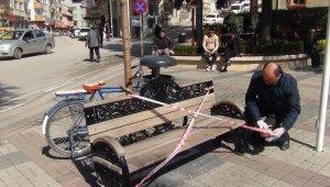 Oturma bankları şeritle kapatıldı - Bursa Haberleri