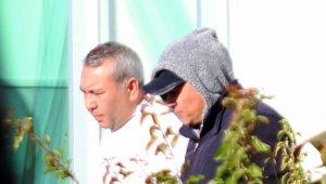 """Özbek eylemci, """"Vali, belediye başkanı gelsin"""" dedi, polisin cevabıyla planı suya düştü"""