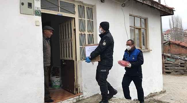 Polis memurundan evde kalan yaşlılara duygulandıran sözler - Bursa Haberleri