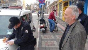 Polis ve zabıta sokaktaki yaşlılar için denetimini arttırdı - Bursa Haberleri