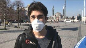 Taksim Meydanı'nda vatandaşların korona virüs önlemi