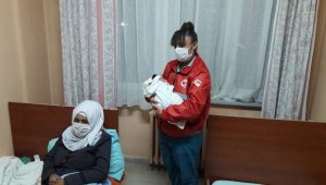 Umut yolculuğunun ilk bebeği gözlerini dünyaya açtı