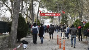 """""""Yunanistan sığınma hakkını bırakın, yaşam hakkını ihlal ediyor"""" - Bursa haberleri"""
