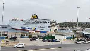 160 Türkün bulunduğu gemi karantinaya alındı