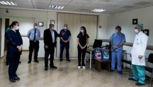 2 sağlık personeli korona virüsü yendi, görevlerine alkışlarla döndü