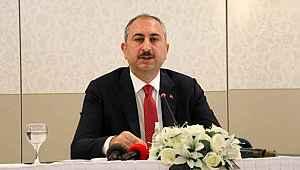 Adalet Bakanı Gül'den Ankara Barosu'na tepki