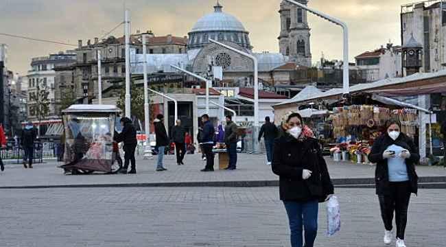 Bakan Koca, Türkiye'de koronavirüsle ilgili en riskli illeri tek tek açıkladı