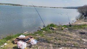 Baraj kenarında balık tutup piknik yapan iki kişiye ceza kesildi - Bursa Haberleri