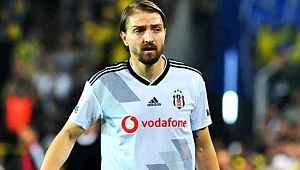 Beşiktaş, maaş indirimine gitmemesi halinde Caner ile yollarını ayıracak