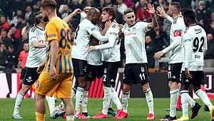 Beşiktaş'ta 5 futbolcu, koronavirüs krizi sonrası maaş indirimini kabul etmedi
