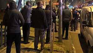 Bursa'da sokağa çıkma yasağı sonrası vatandaşlar ekmek almak için sokağa döküldü
