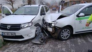 Bursa'da trafik kazası: 2 yaralı - Bursa Haberleri