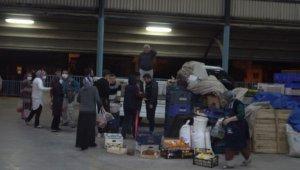 Denizli'de semt pazarları gece kuruldu