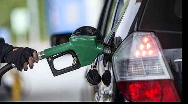 Dün zam yapılan benzine bugün indirim geliyor