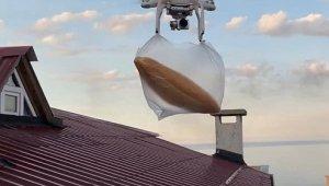 Ekmeğini bakkaldan drone aldırdı