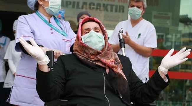 Eşiyle birlikte korona virüs tedavi gördüğü hastaneden tek başına taburcu oldu