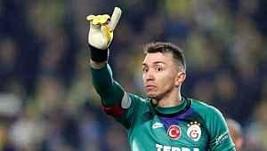 Galatasaray, Muslera'yla yeni sözleşme imzalayarak maaşını düşürecek