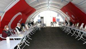 HDP önündeki ailelerin evlat nöbeti 213'üncü gününde