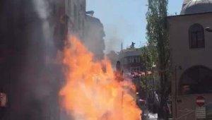 İstanbul'da doğalgaz patlaması; alevler metrelerce yükseğe çıktı