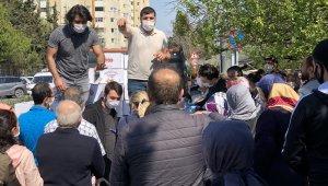 İstanbul'da yardım kolisi dağıtımında sosyal mesafe unutuldu