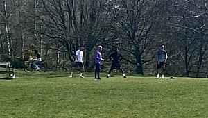 Jose Mourinho, yasağı hiçe sayarak 4 futbolcusuna parkta idman yaptırdı