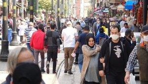 Kısıtlamaya saatler kala çarşı ve pazarlar doldu taştı - Bursa Haberleri