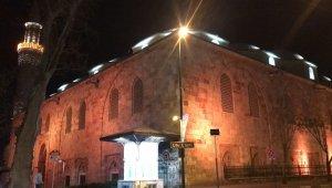 Korona virüs nedeniyle camiler kandilde boş kaldı - Bursa Haberleri