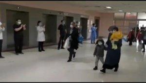 Korona virüs tedavisi tamamlanan 15 hasta alkışlarla taburcu oldu