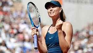 Maria Sharapova, sosyal medyadan telefon numarasını paylaştı
