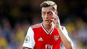 Mesut Özil'in menajeri maaş kesintisini kabul etmiyor