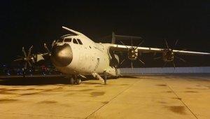 """MSB: """"İspanya ve İtalya'ya yardım malzemesi götüren uçak iniş yaptı"""""""