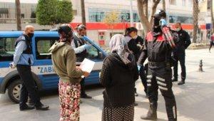 Saç başa kavga eden dilenciler bugün dilenirken yine polise yakalandı