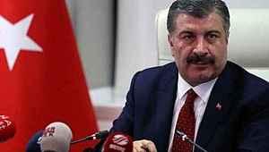 Sağlık Bakanı Koca, gözleri dolarak sağlık çalışanlardaki vaka sayısını açıkladı