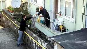 Sokağa çıkma yasağı olan illerde vatandaşlara ekmek dağıtımı başladı