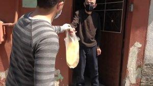 Sokak sokak gezip vatandaşları sıcak ekmekle buluşturdular - Bursa Haberleri