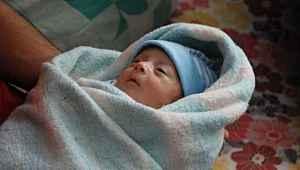 Suriyeli bebek korona virüsü yendi