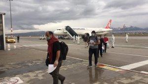 Suudi Arabistan'dan getirilen 182 Türk Erzurum'da karantinaya alındı