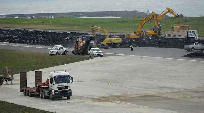 Trabzon Havalimanı pisti uçuşlara kapatılarak onarıma alındı
