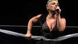 Ünlü şarkıcı Pink, kendisinin ve oğlunun koronavirüse yakalanıp yendiğini açıkladı