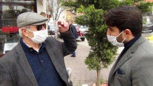 Yasağa rağmen 65 yaş üstü bazı vatandaşlar sokakta geziyor - Bursa Haberleri
