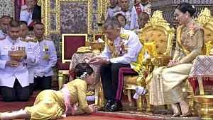 20 cariyesiyle lüks otele kapanan Tayland Kralı, bisiklet keyfi yaptı