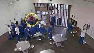 21 mahkum, erken tahliye olabilmek için kendilerine koronavirüs bulaştırdı
